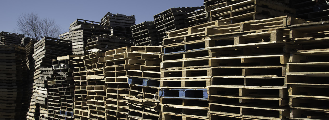 Are you looking for reconditioned pallets, mulch or a place to drop off your green waste? Than contact us at JRM Pallets & Mulch.